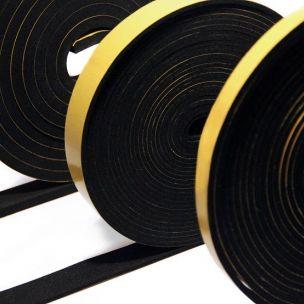 4 mm EPDM  pěnové těsnění ve formě pásky s jednou lepící stranou, cena a balení 10 m